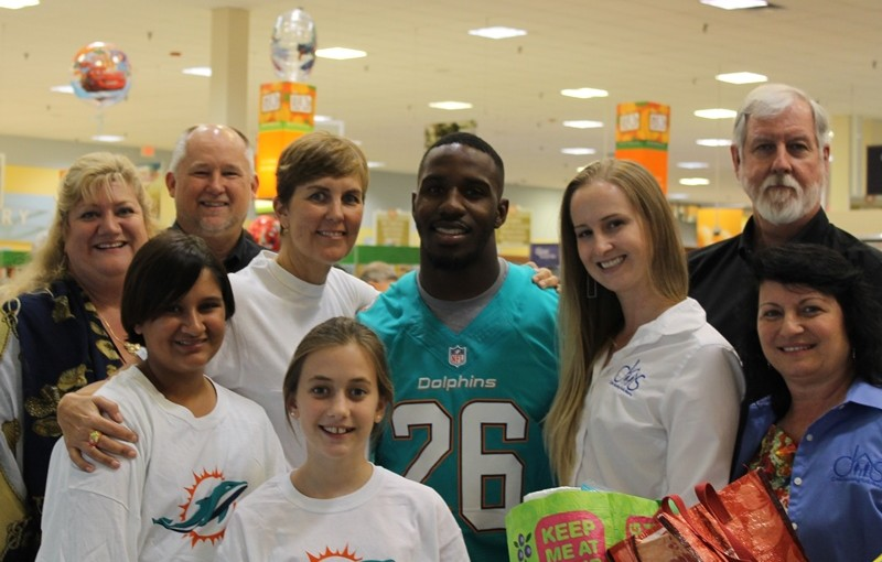 Publix, Dolphins Provide Grocery Spree